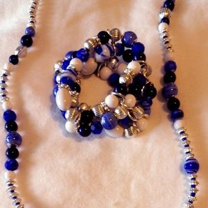 Jewelry - Necklace and Braclete set.